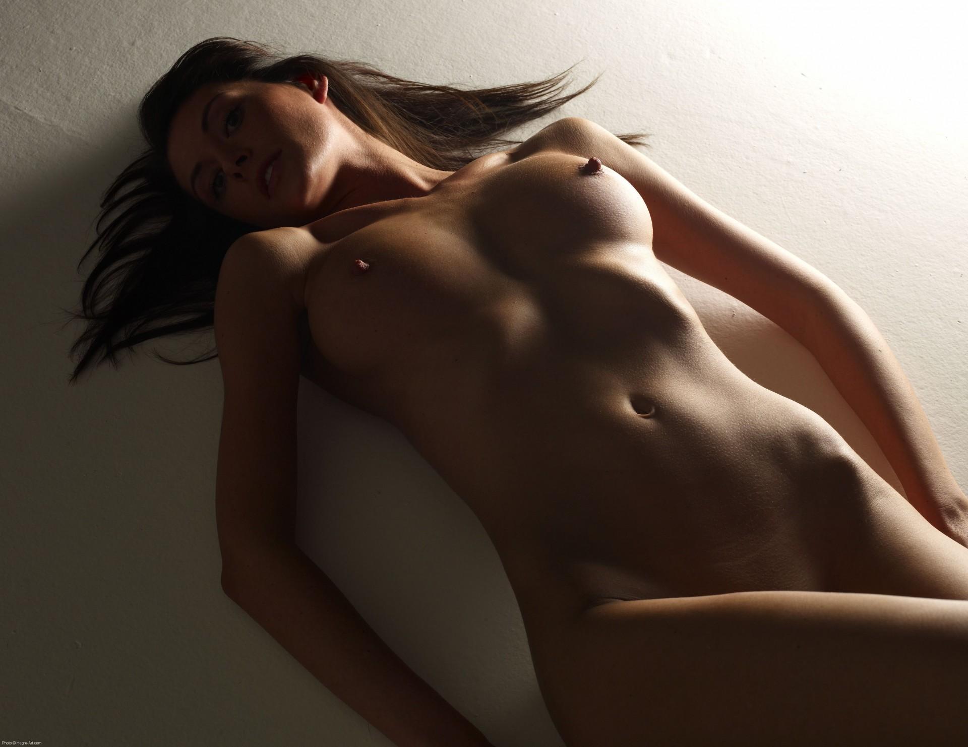 Эро женское тело галереи