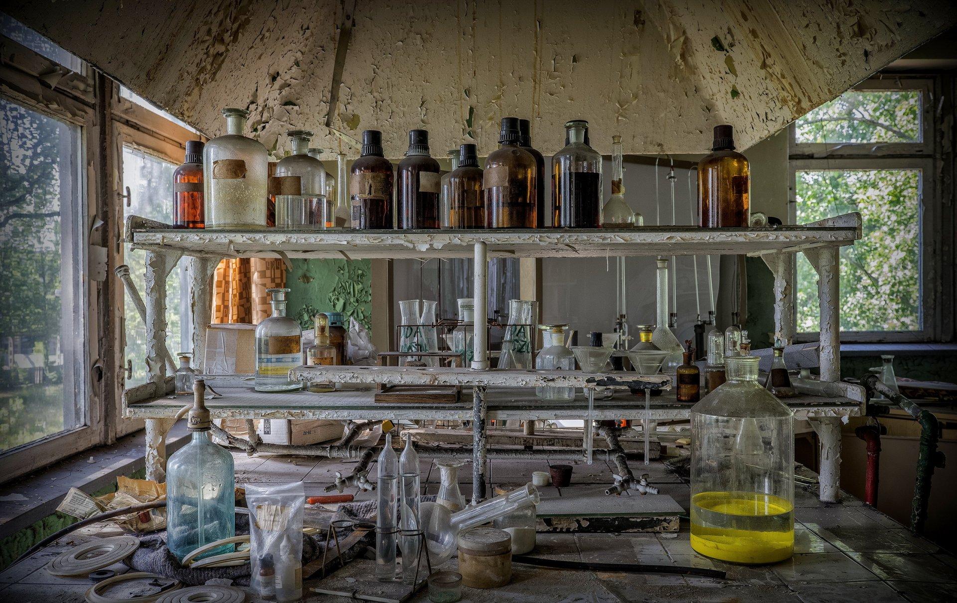 будущий зять фотолаборатория садится химия баре отеля течение