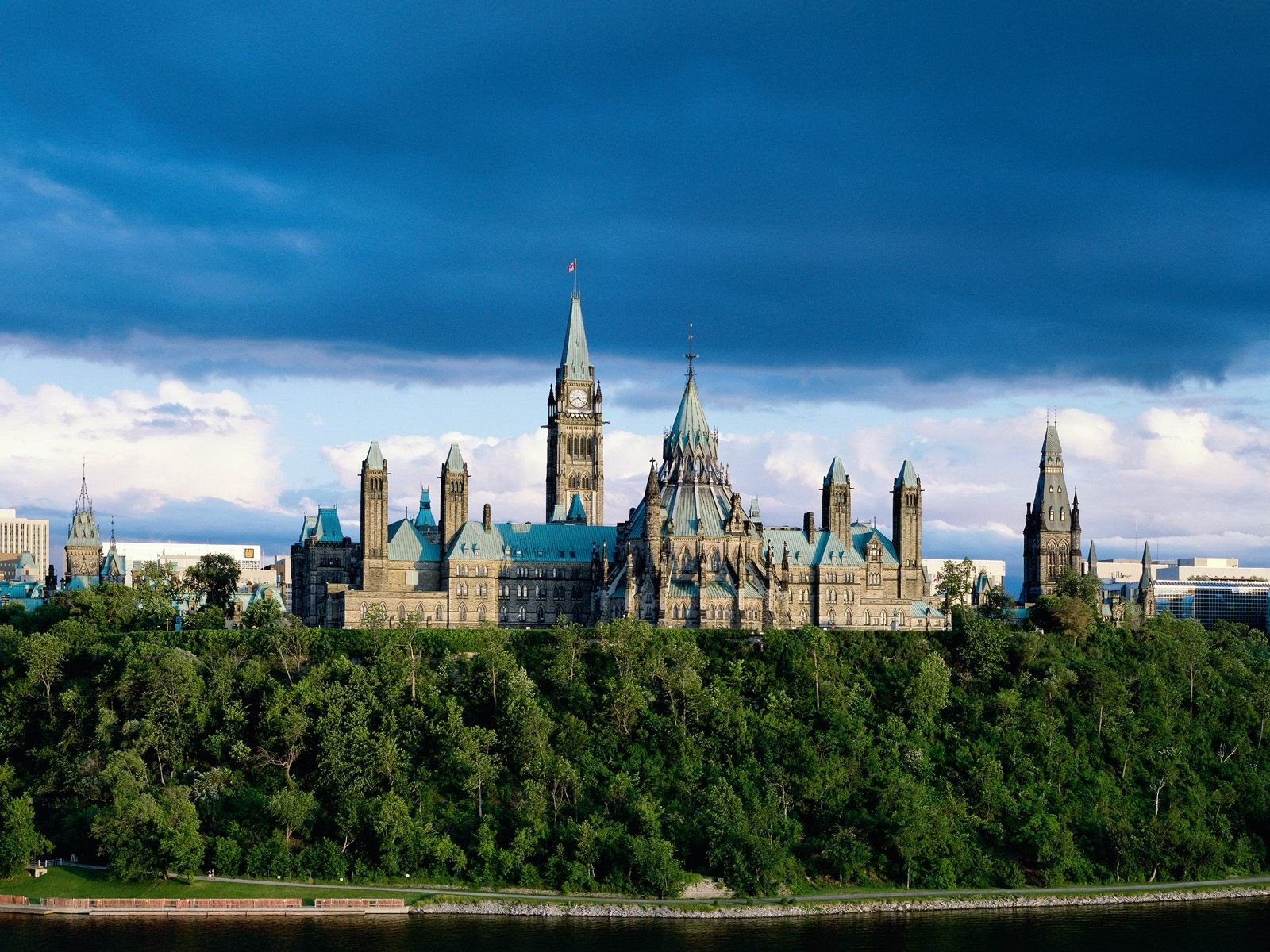Канадский дворец без смс