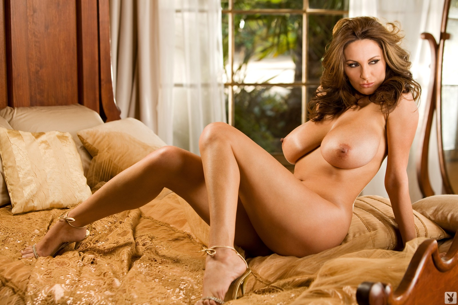 Playboy foot nudes — pic 11