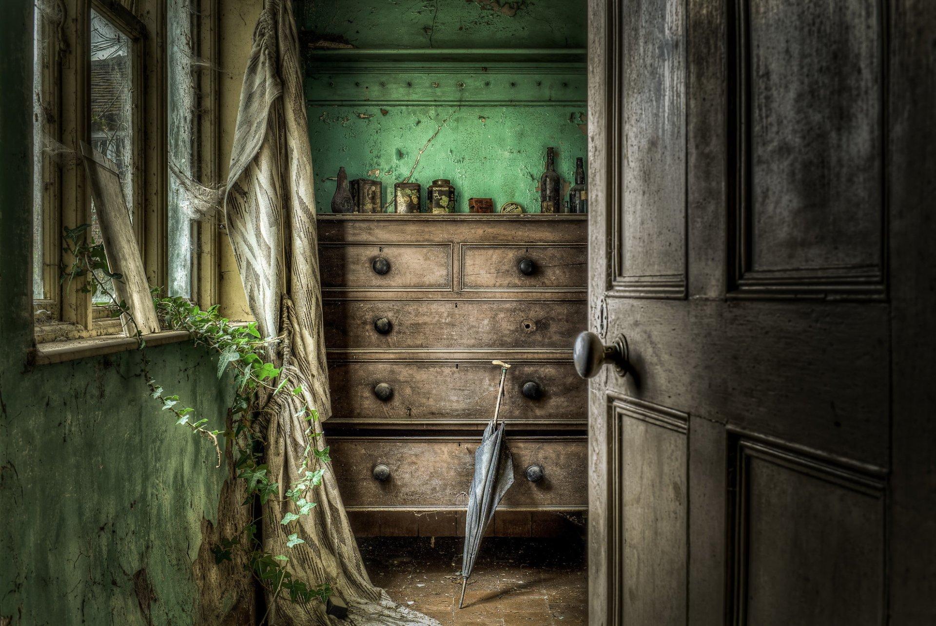 хочу комната с дверями на картинке настоящее