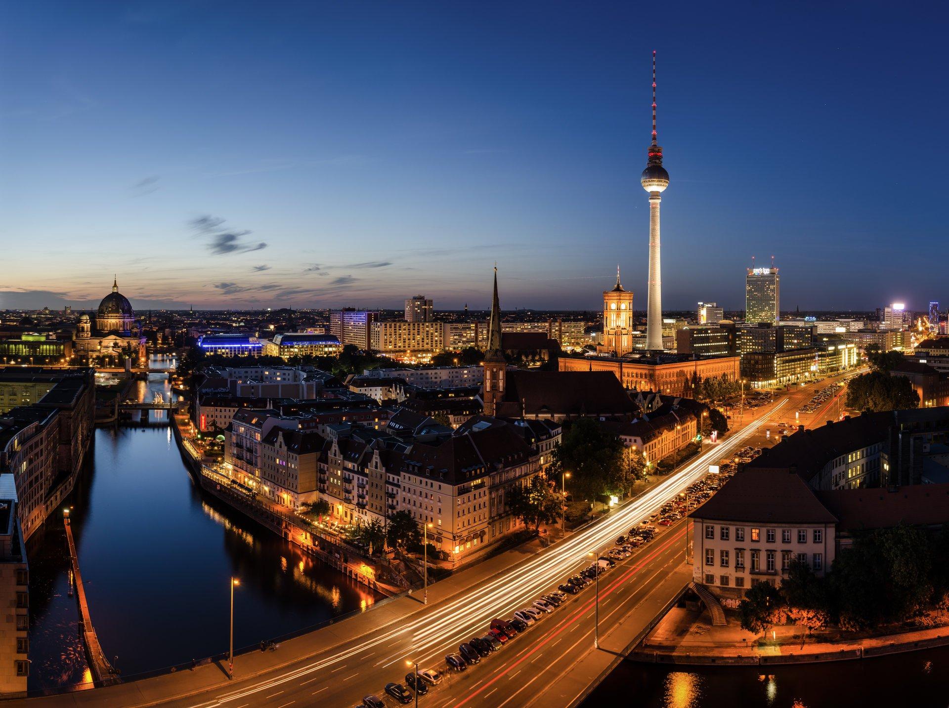 Обои германия, berlin, ночь, фонари, улица. Города foto 11