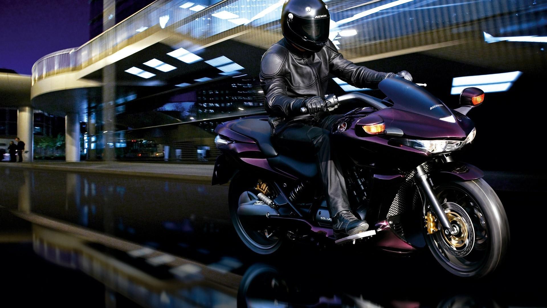 спортивный мотоцикл Honda  № 3935550 загрузить