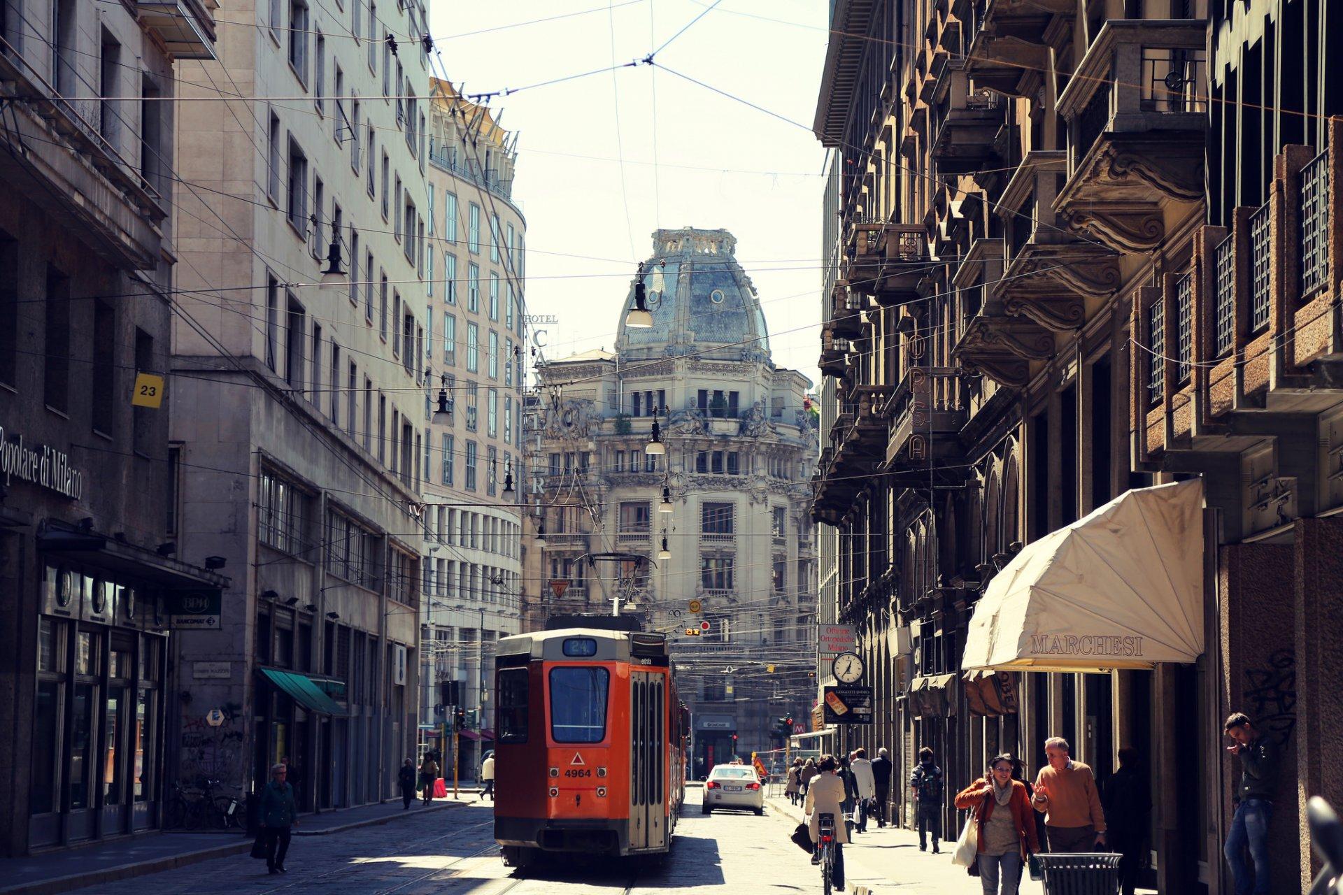 Обои трамвай, люди, улица, дома. Города foto 7
