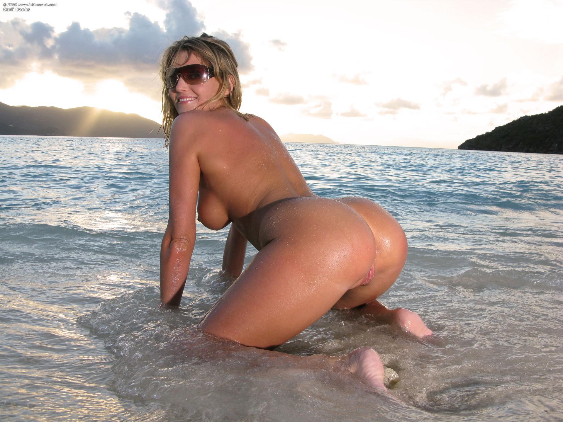 девушки на пляже с большими сиськами и жопой фото смотреть