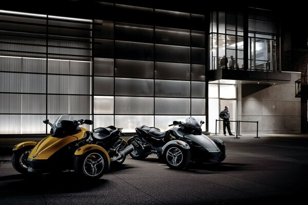 байк мотоцикл Can-Am Spyder мото