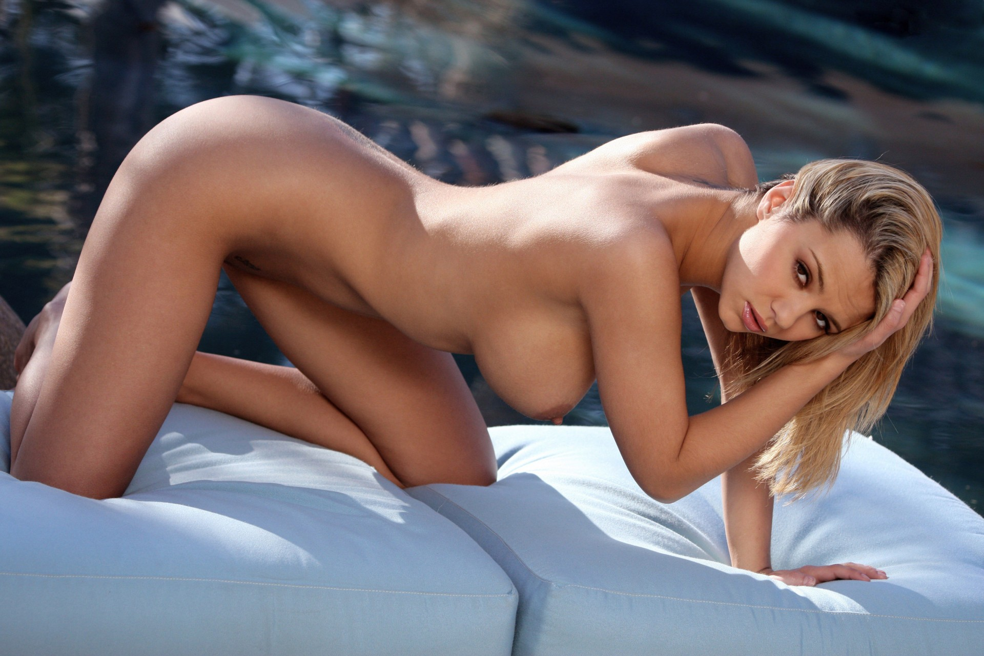 beautiful-women-nude-pictures-erotic