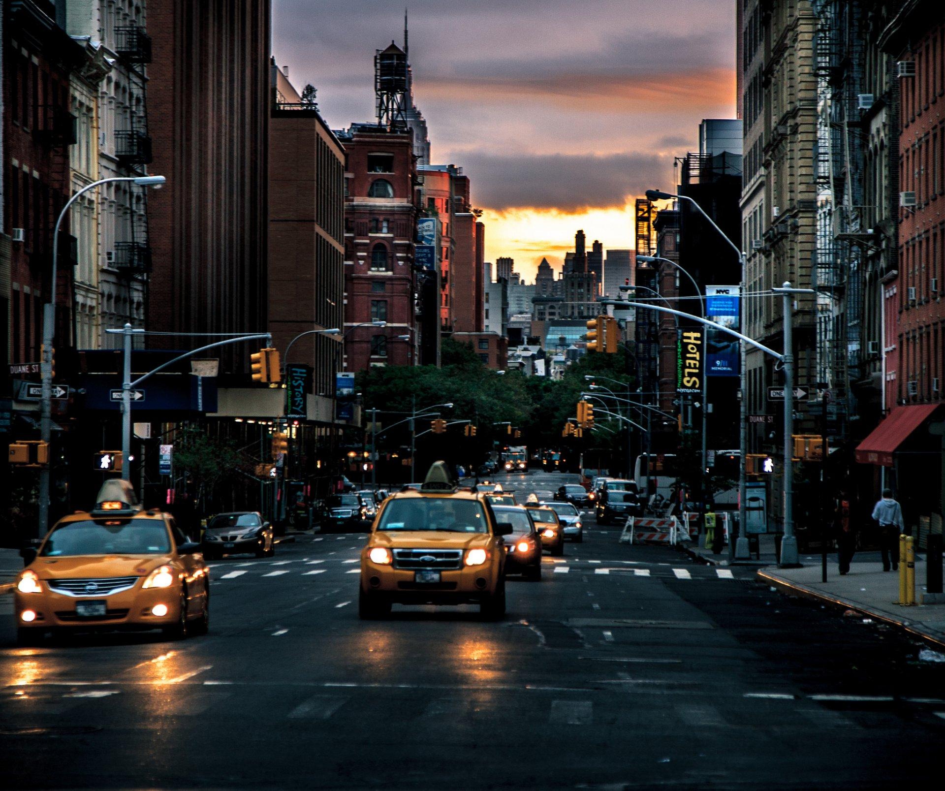 Обои Светофор, улица, такси, люди, реклама, дома. Города foto 17