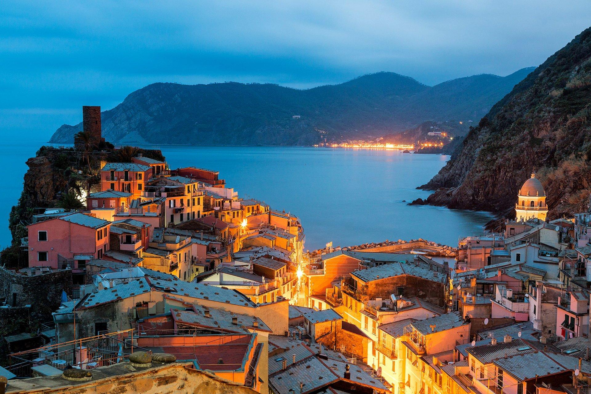 Обои дома, лигурийское побережье, скалы, чинкве-терре, бухта, риомаджоре, лодки. Города foto 18