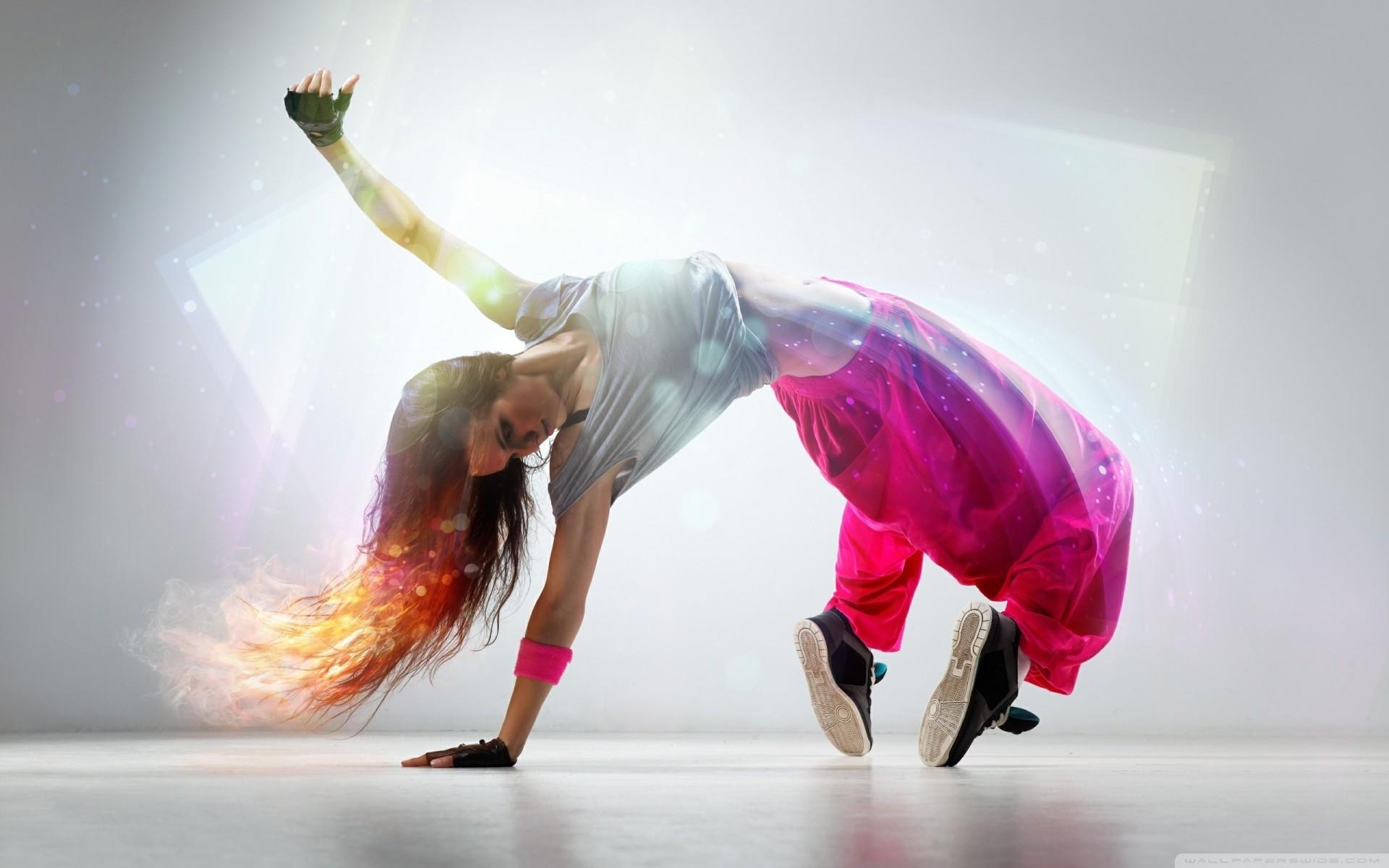 Фото девушек танцующие брейк