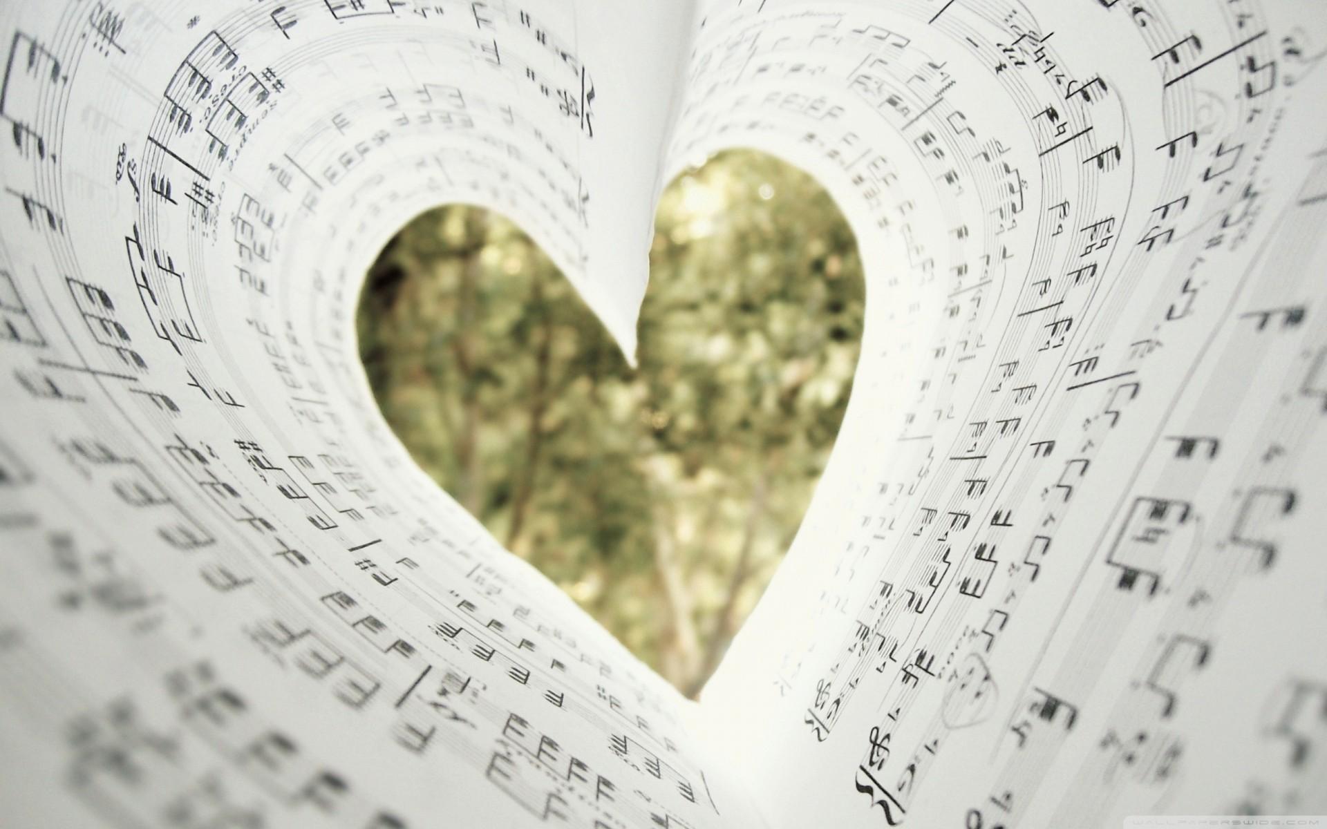 Нарисовать поздравительную, сделать картинки с музыкой своей предложение