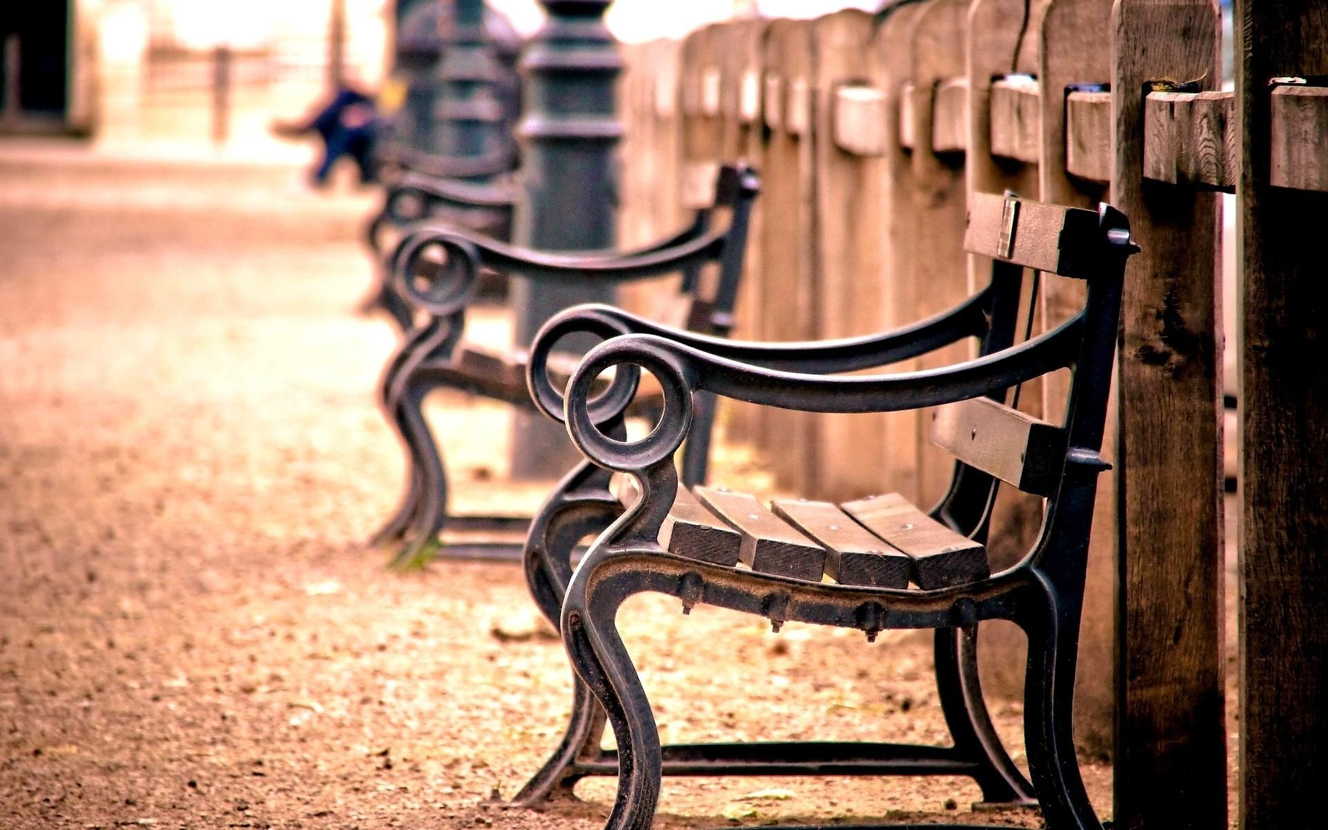 Набережная со скамейками  № 1440148 загрузить