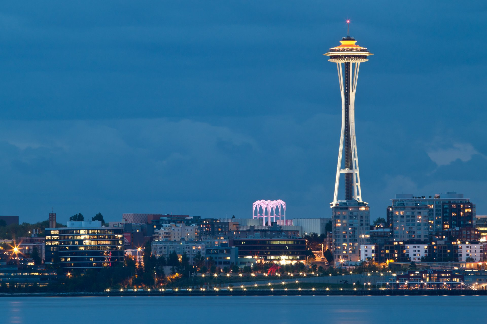 space needle 3,952 tweets • 329 photos/videos • 345k followers check out the latest tweets from space needle (@space_needle.