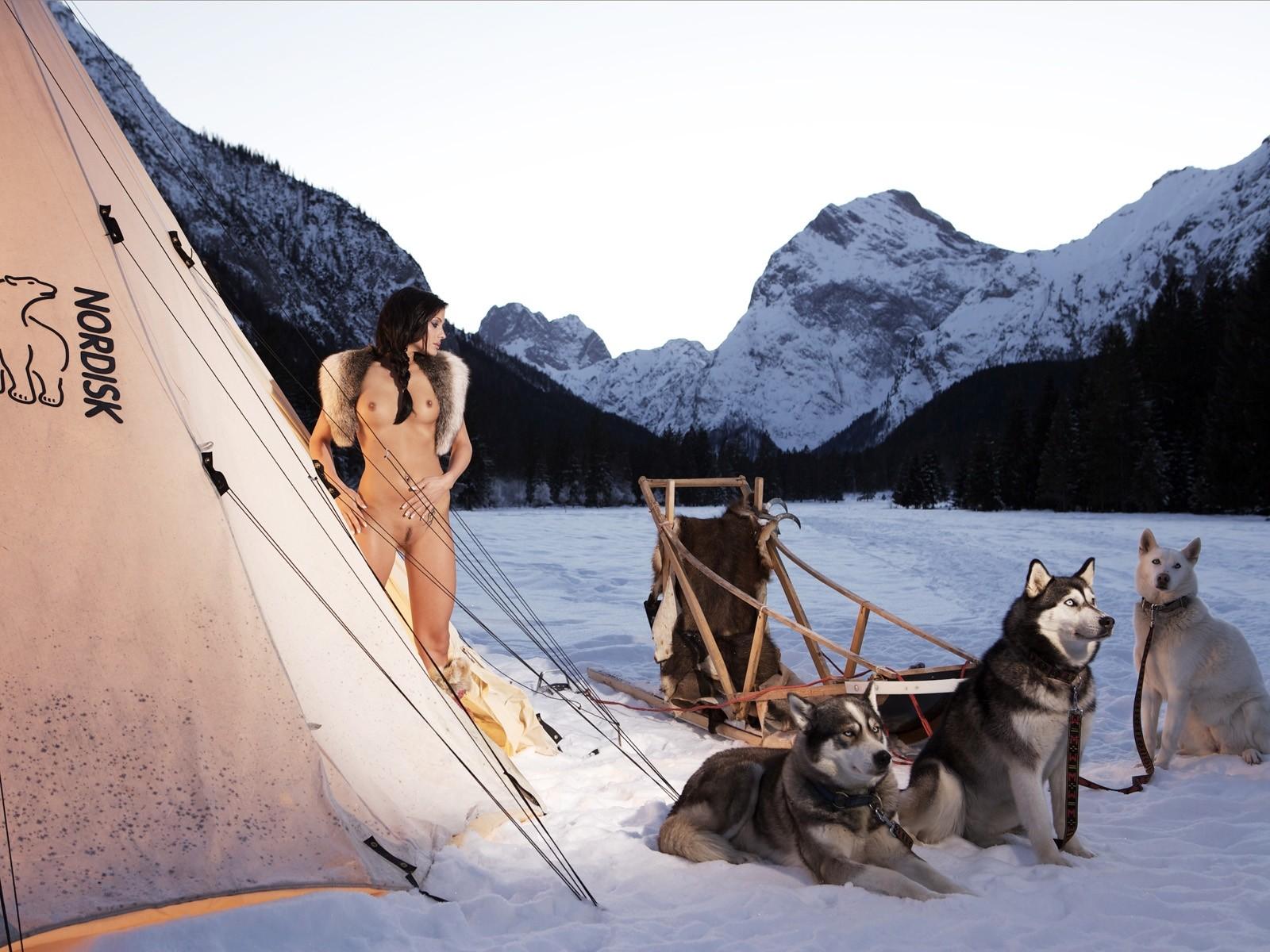 nude-women-in-alaska