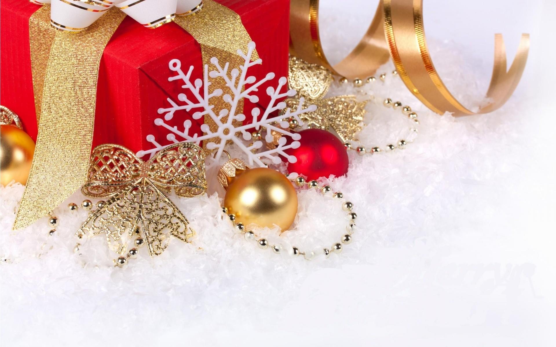 красавица новый год новогодние игрушки праздник лук снег лента украшения снежинка шары HD обои для ноутбука