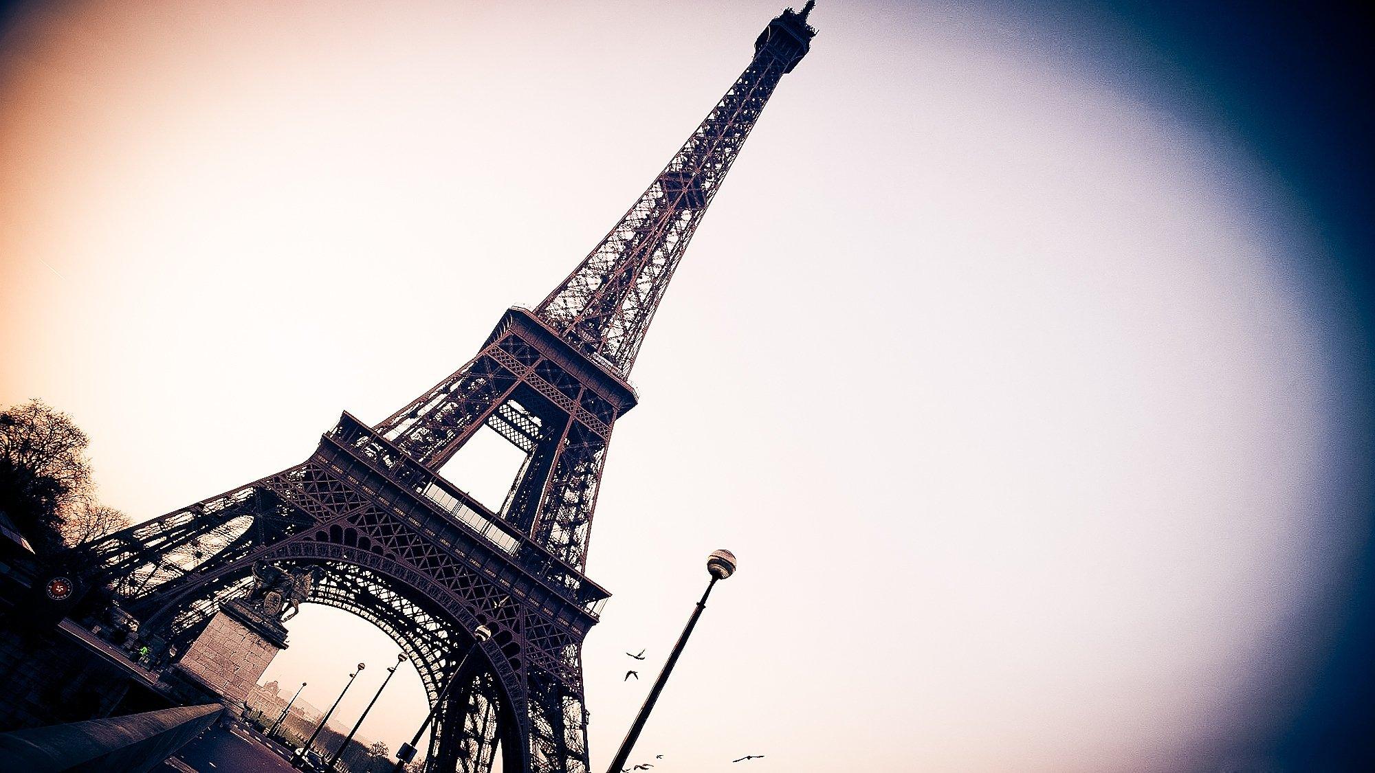 Париж из космоса  № 3715241 бесплатно