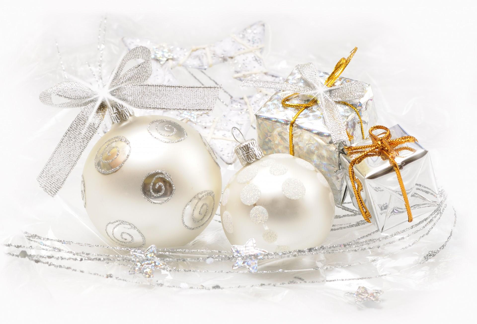 Новогодняя открытка белая