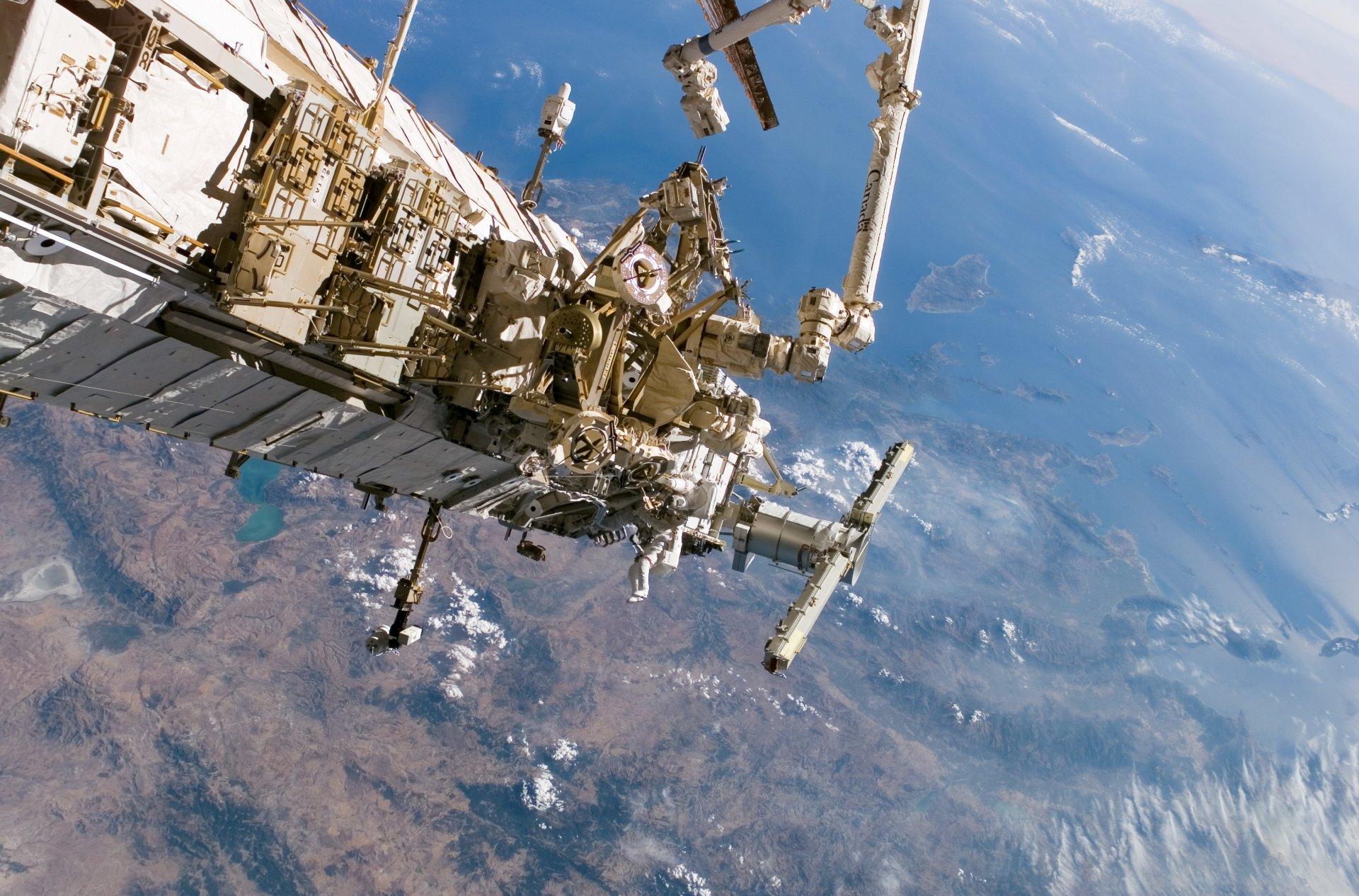 фото россии из орбитальной станции мама спала ночами