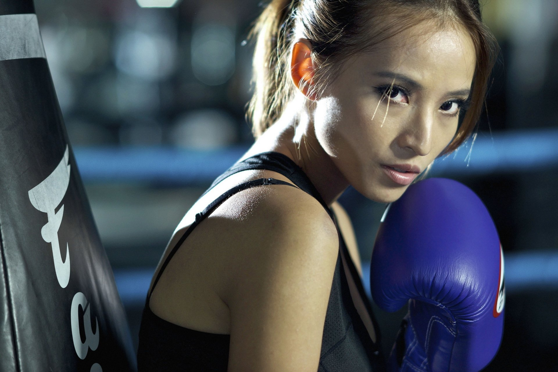 девушка боксерка без смс