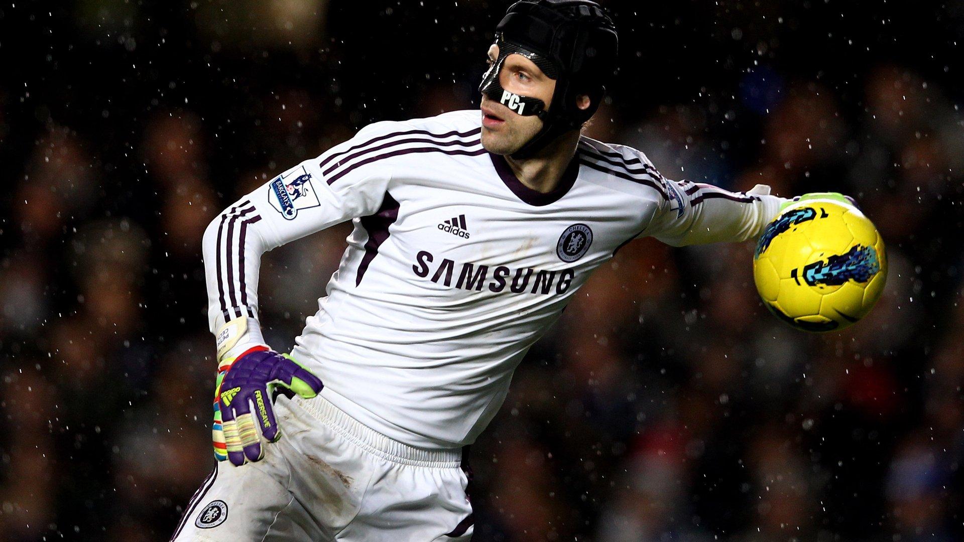Футболист вратарь футбол без смс