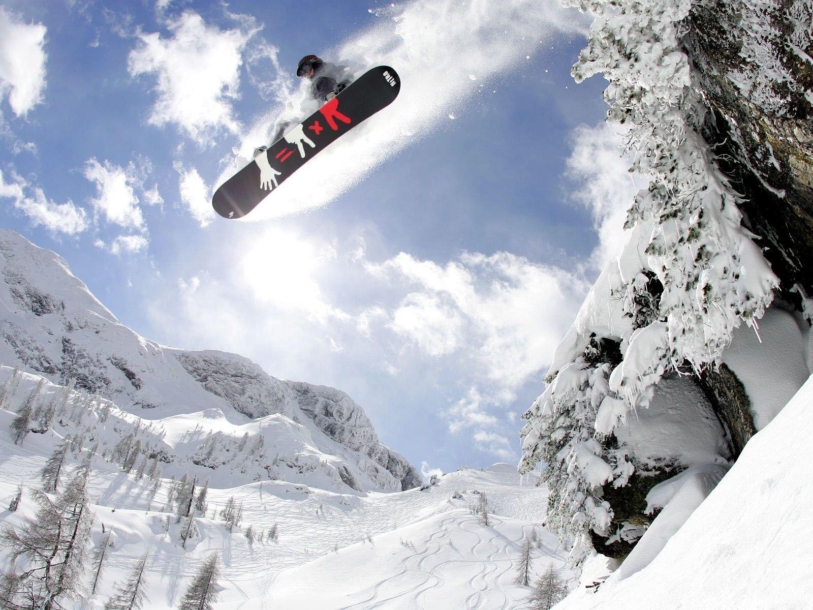 сноубордист вираж снег солнце  № 3559623 бесплатно
