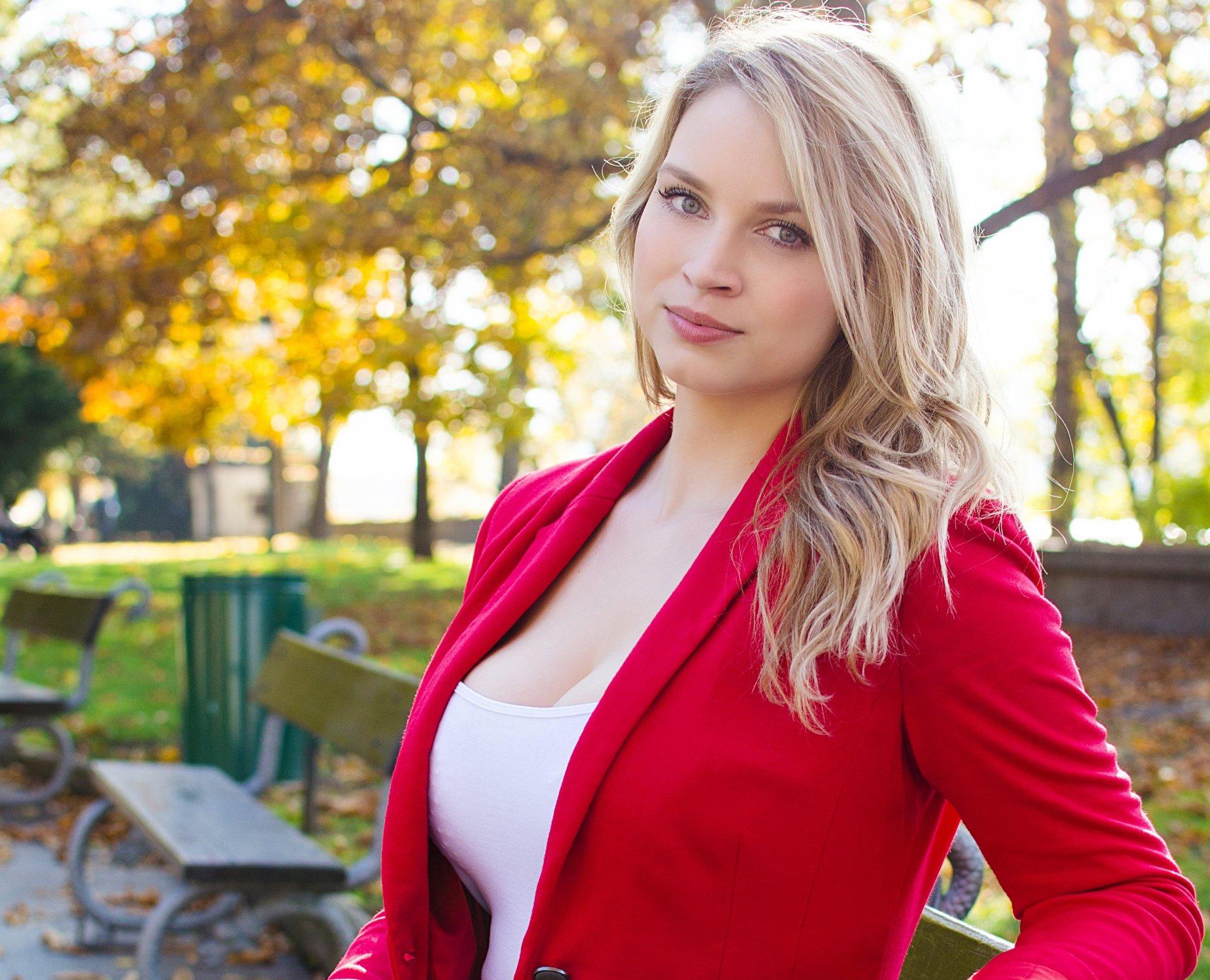 всё равно молодая польская красотка что, наташ