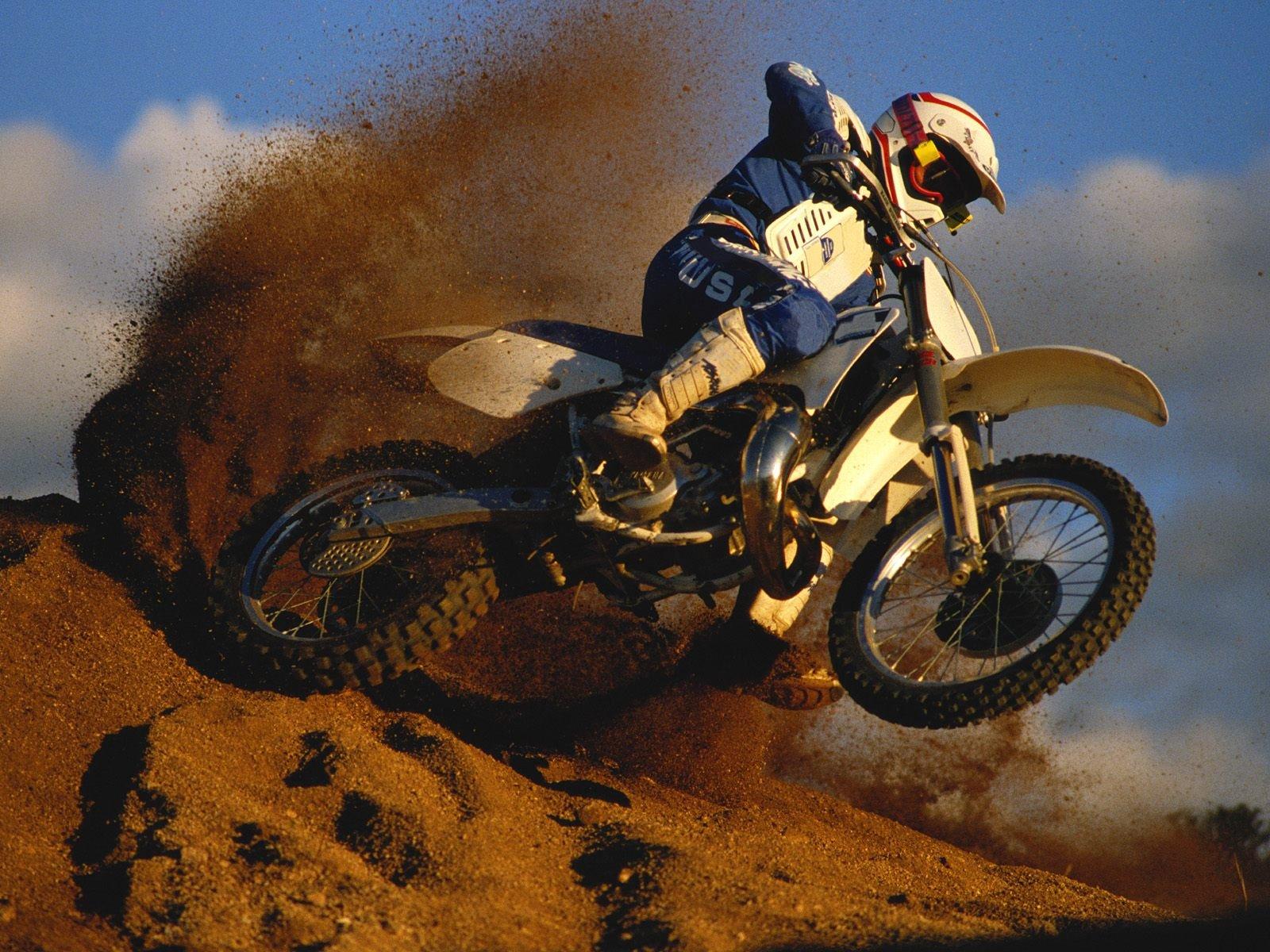 мотоцикл вираж скорость загрузить