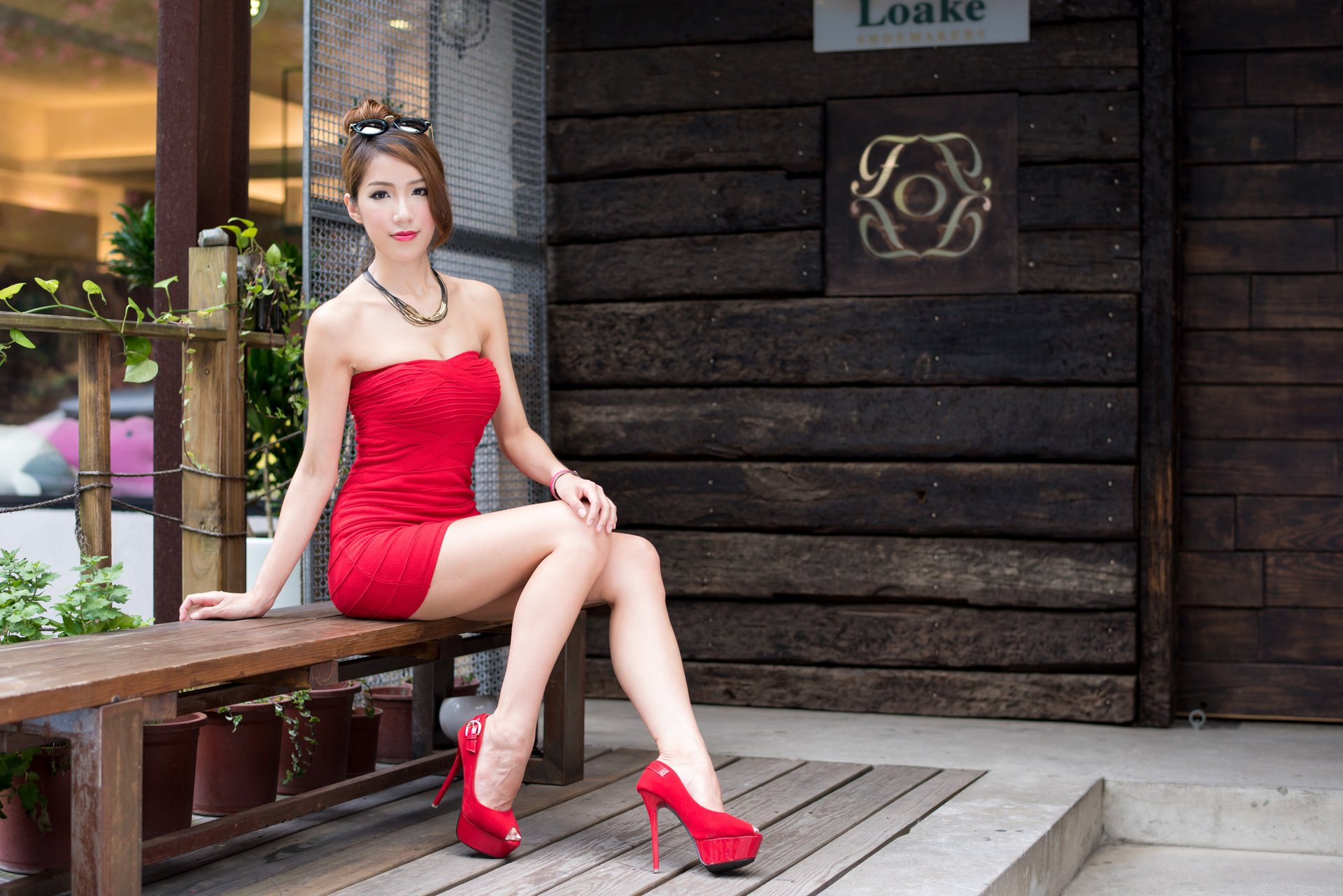 Онлайн минет девушки на высоких каблуках обои видео кунилингус