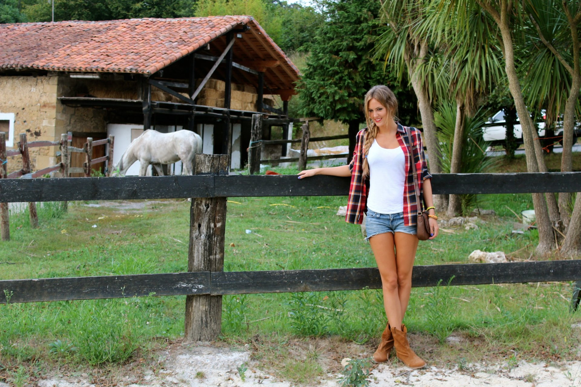 Young girls on the farm free video — photo 2
