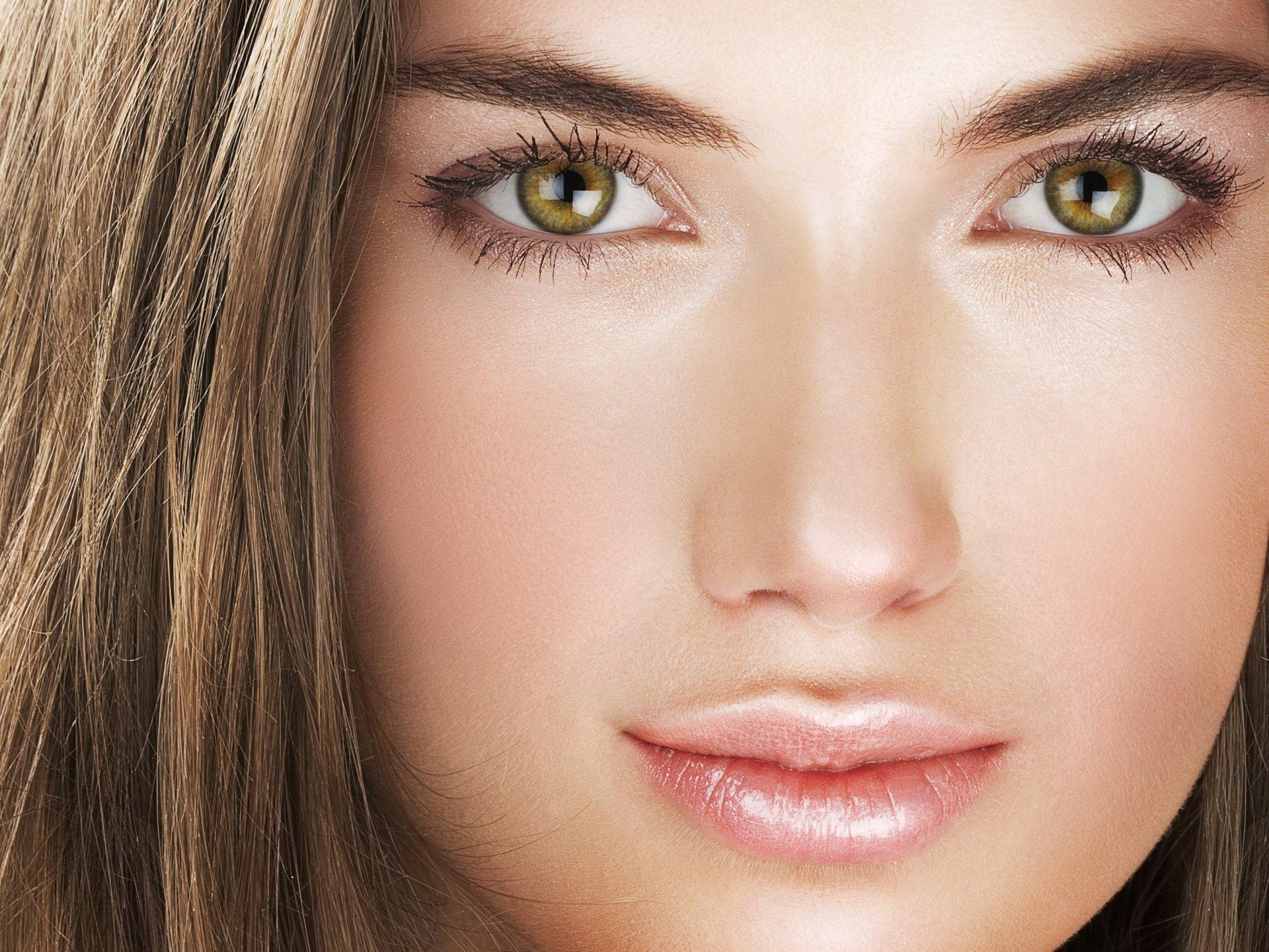 Как подчеркнуть ореховый цвет глаз: макияж, цвет волос