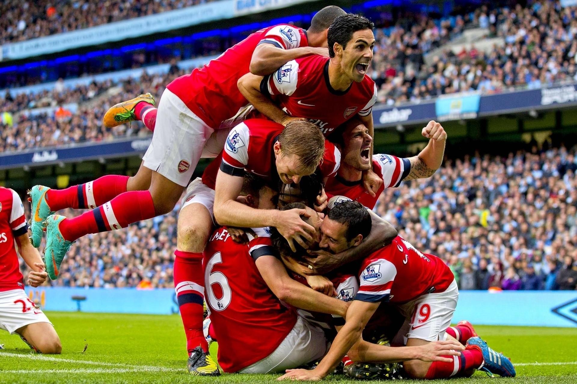 Болельщики Арсенала нервничают перед поездкой в Москву