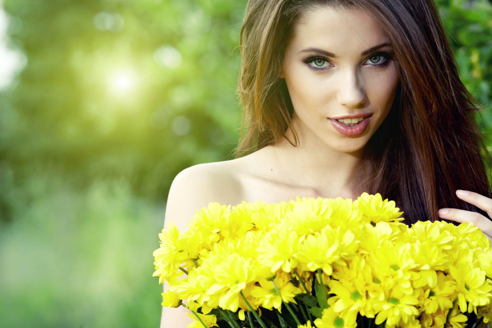 Фото красивые девушки и цветы