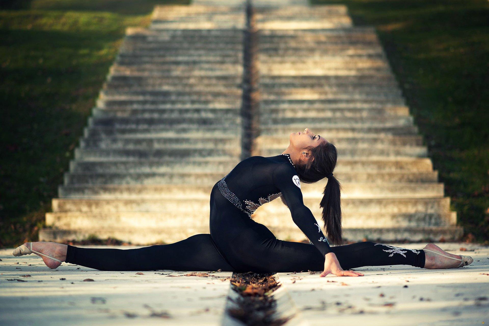 Фото девушек в стойке мостик, Фото подборка эротики как голые девушки делают мостик 26 фотография