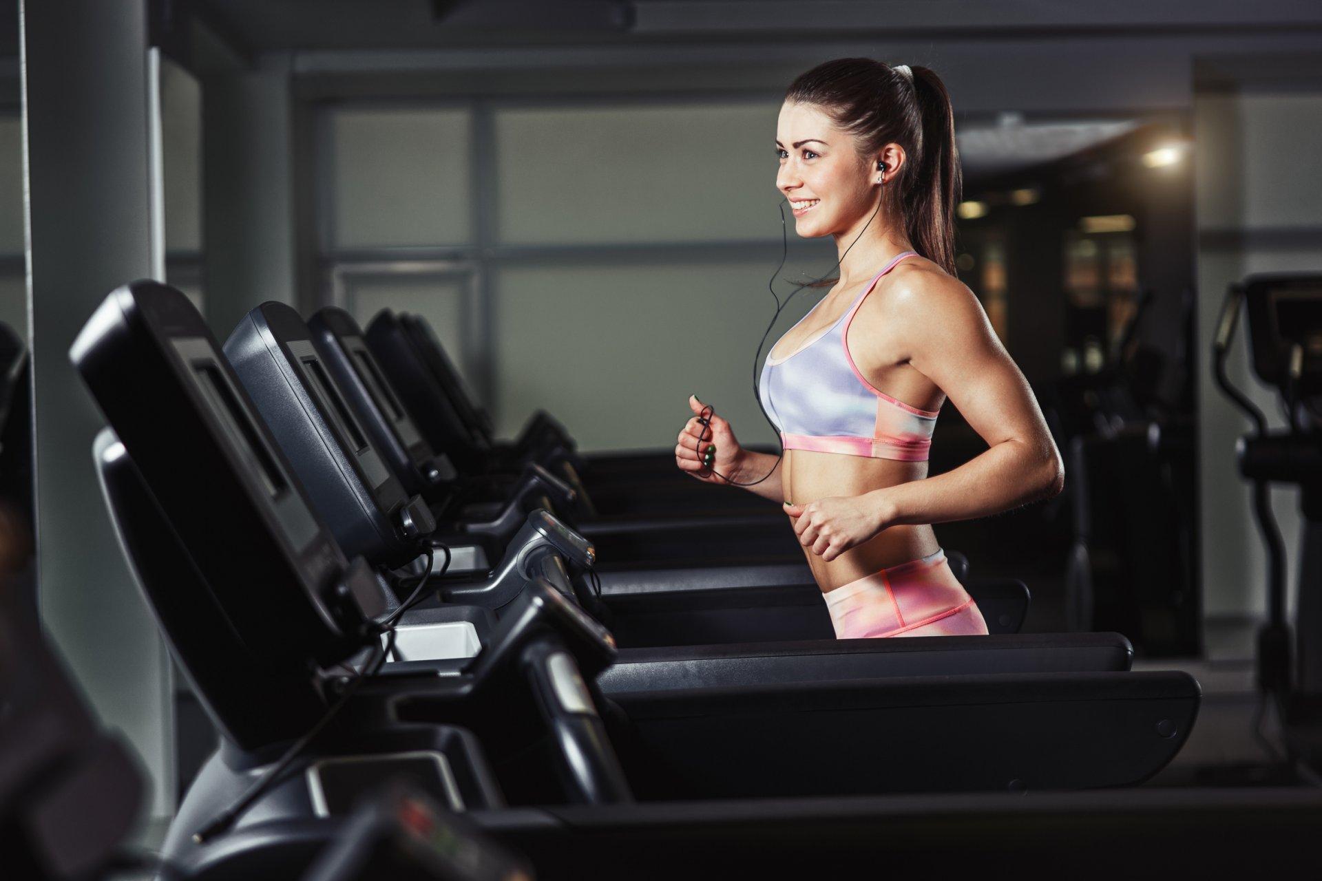 выезд, зеленоград видео девушек в фитнес зале всех