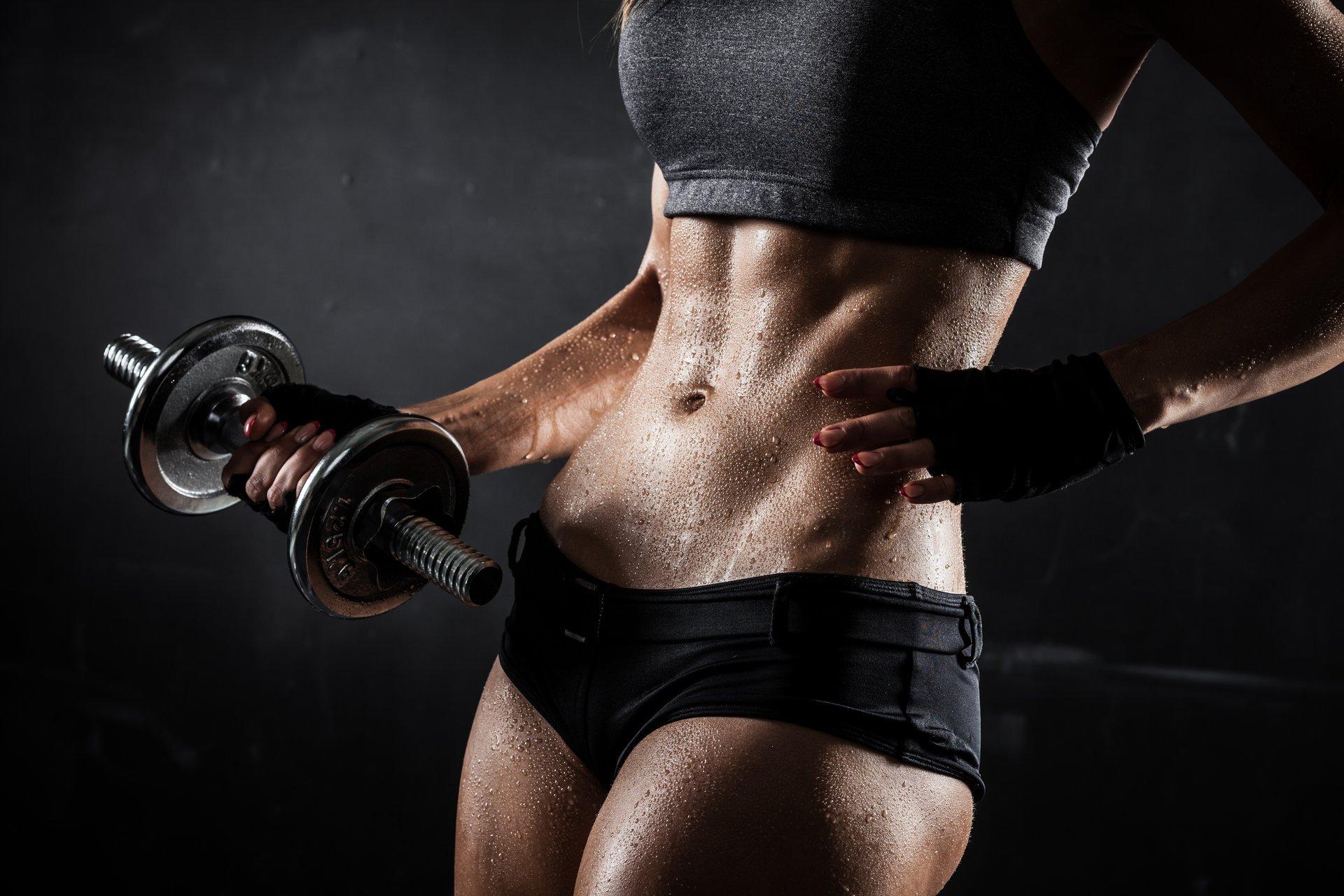 Sweaty females exercising, neked suck