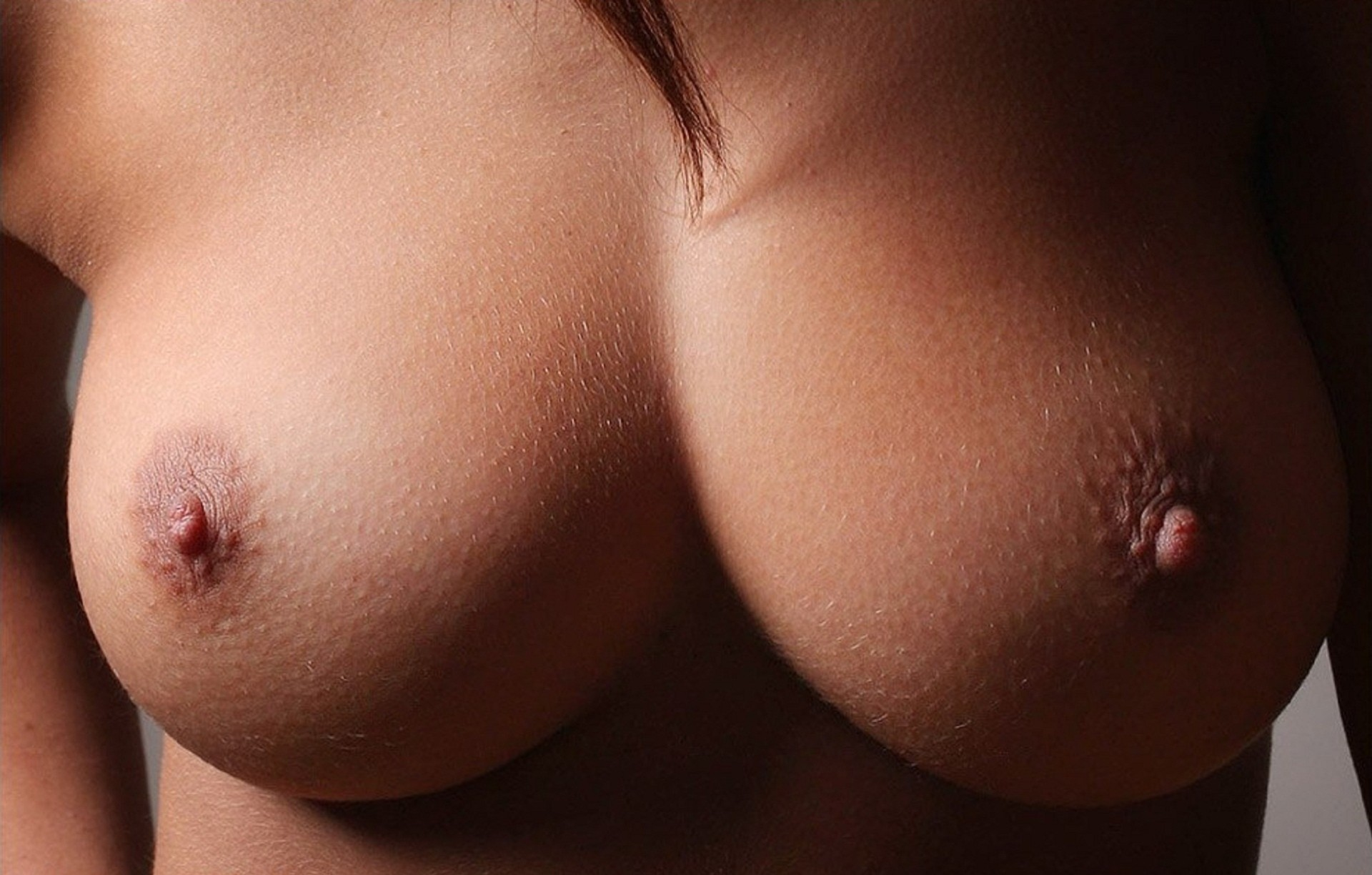 watching-nude-breast-pic