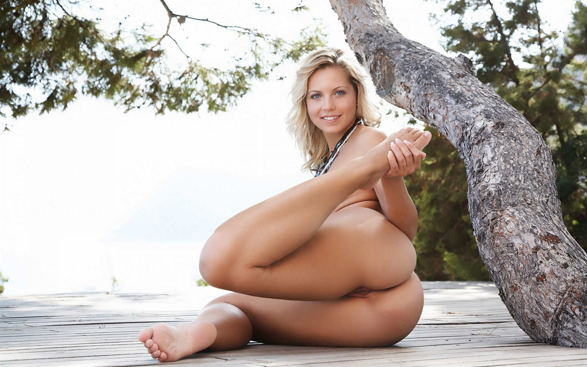 nude-thumb-pics