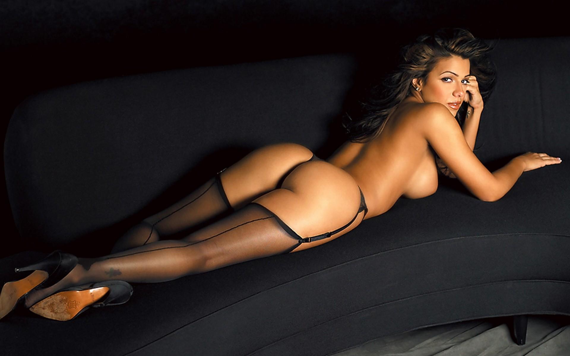 Сексуальные модели на подиуме проделана