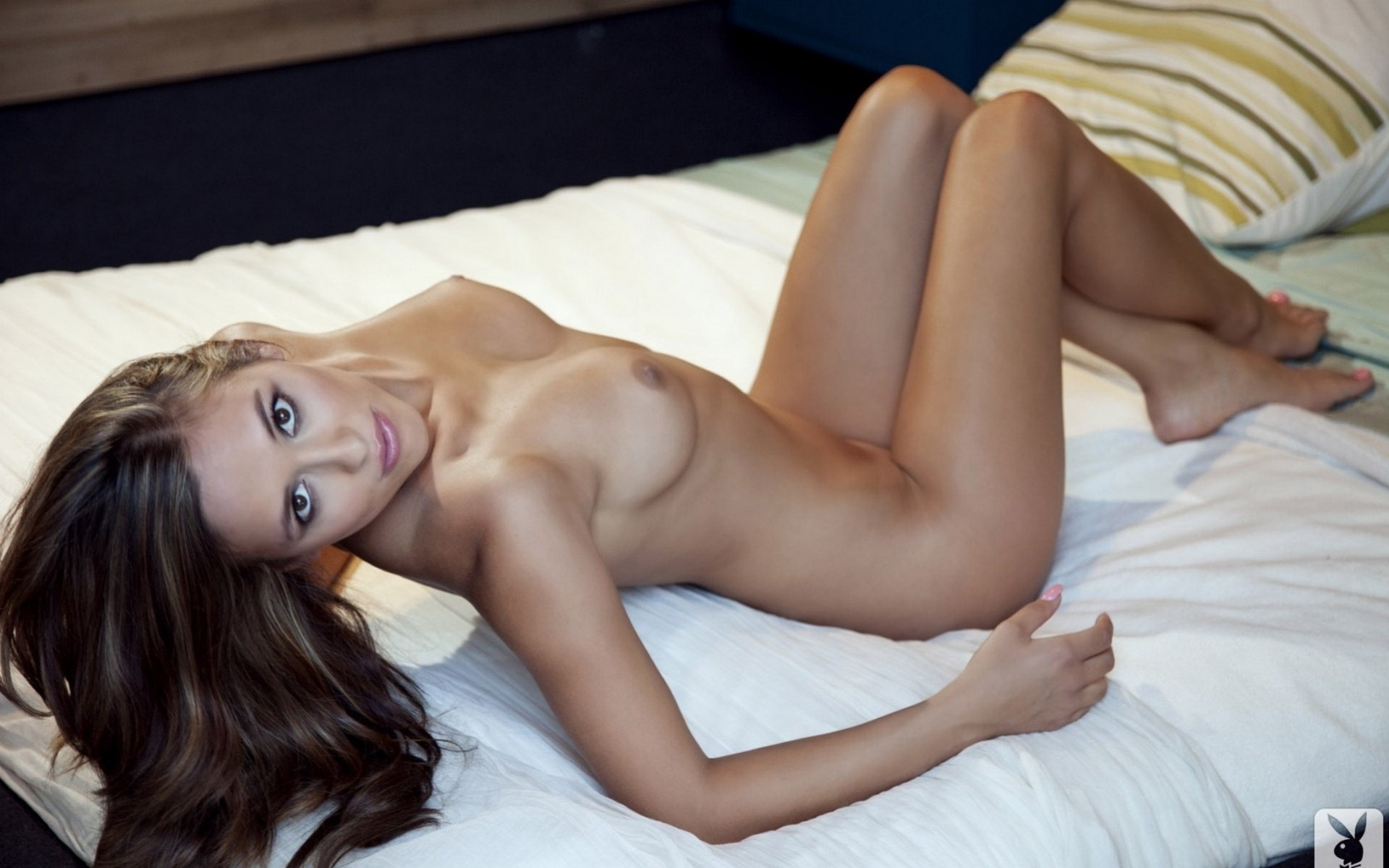 Lady naked photo in bed pollard