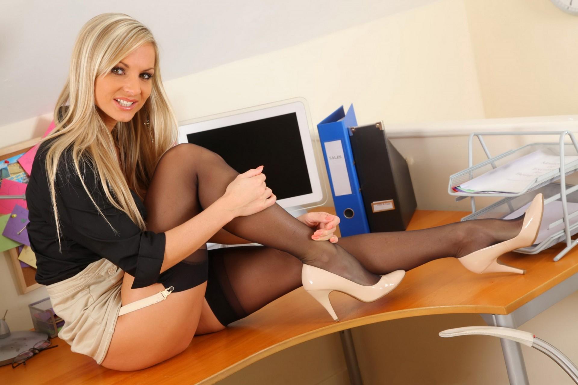 секретарши в офисе интим поправки гино