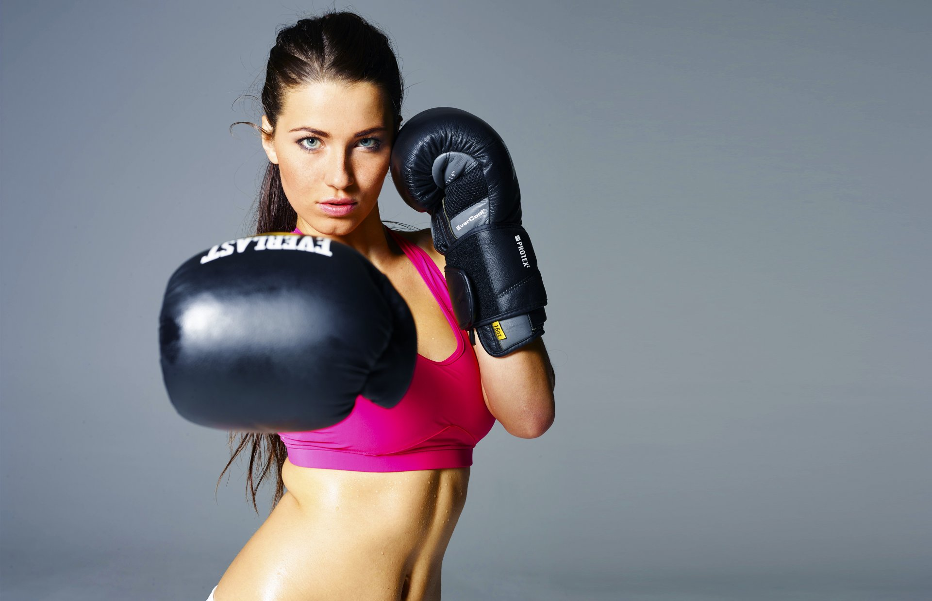 Gorgeous girls boxing — photo 3