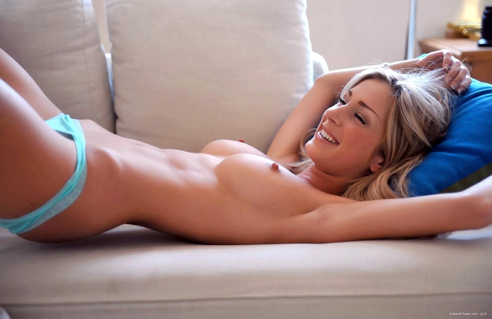 Стройные порно модели в трусиках фото, лизать грязные женские ботфорты