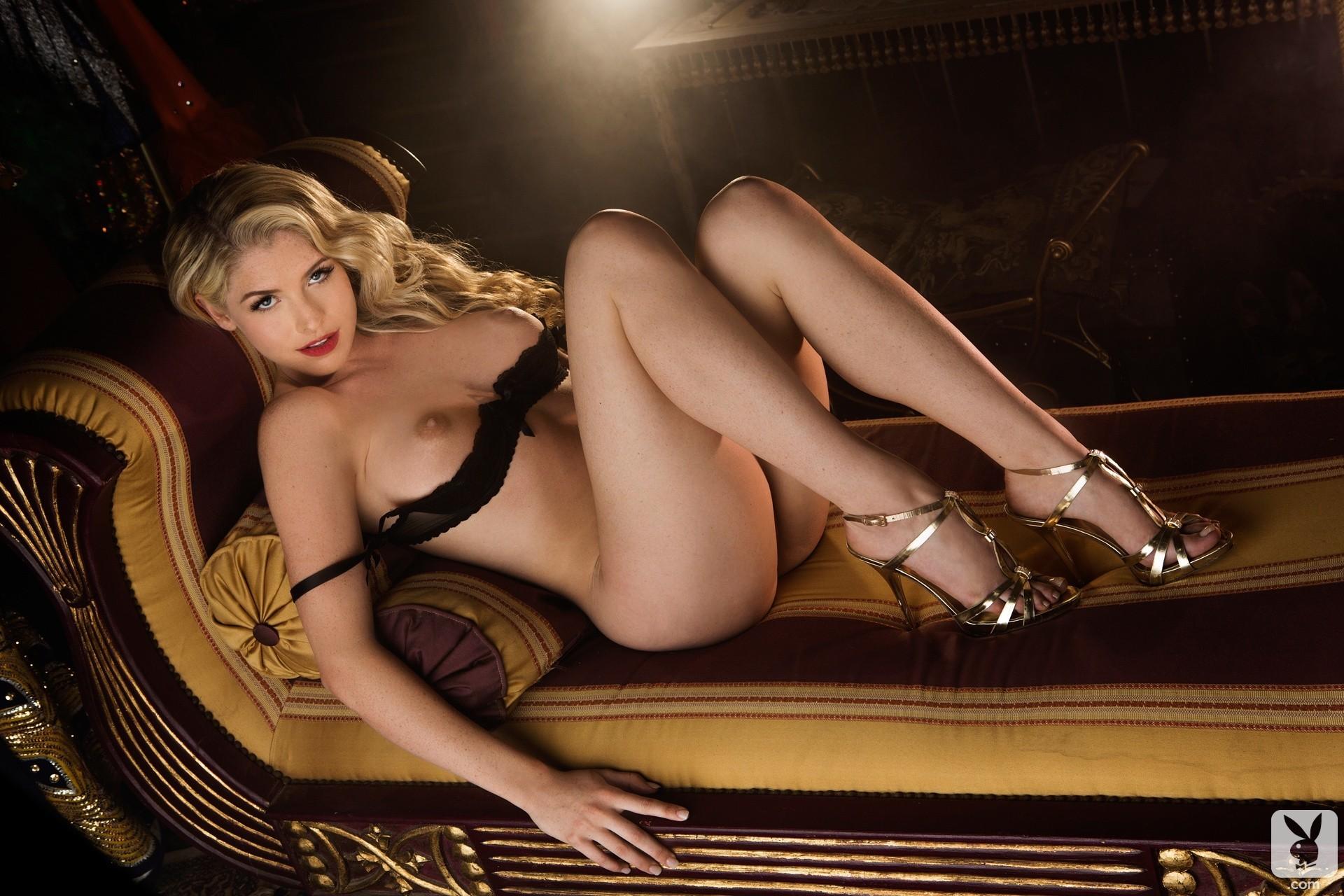 video-s-eroticheskih-fotosessiy-modeley