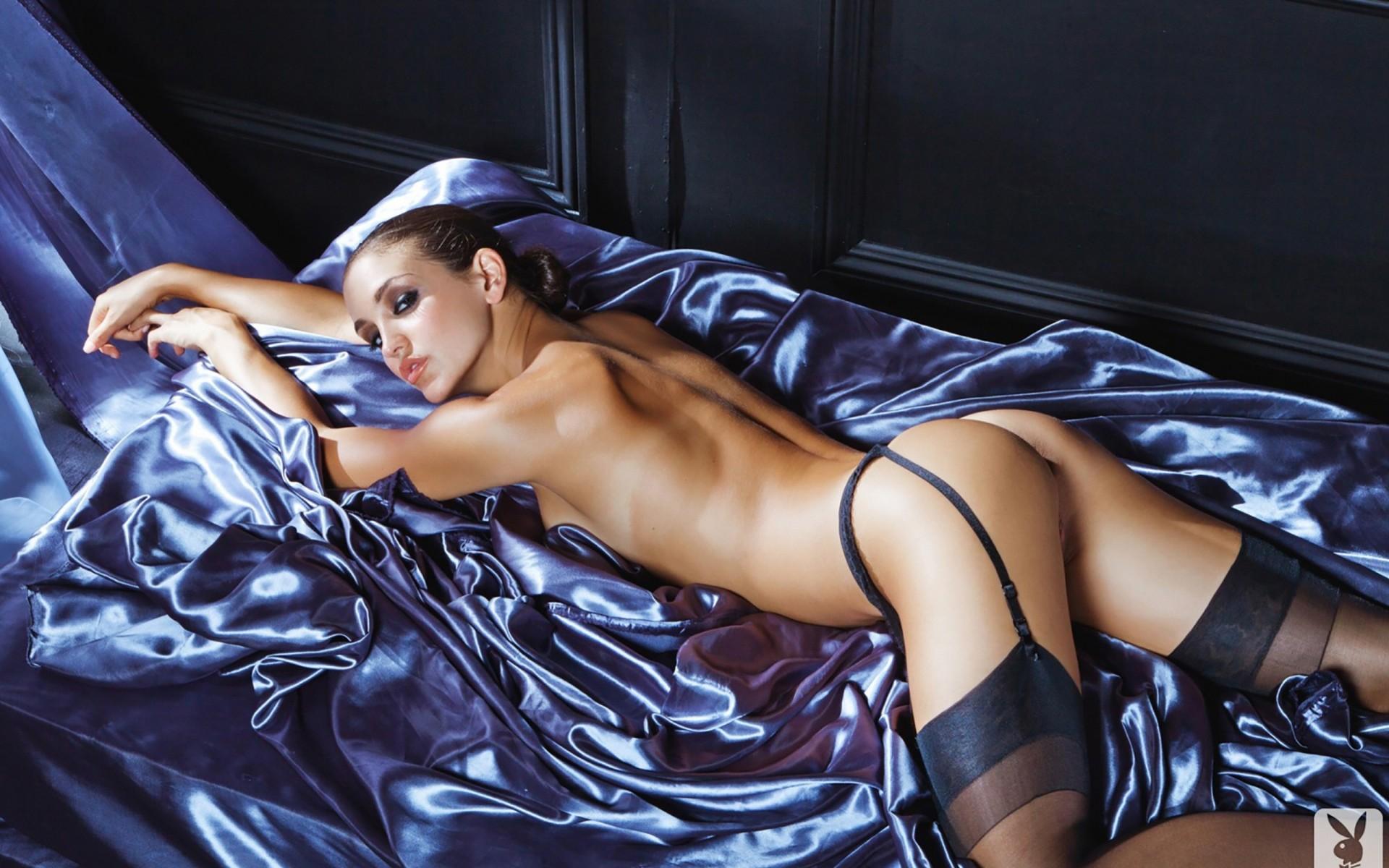 Эро фото модели, девушке вылизали попу смотреть онлайн