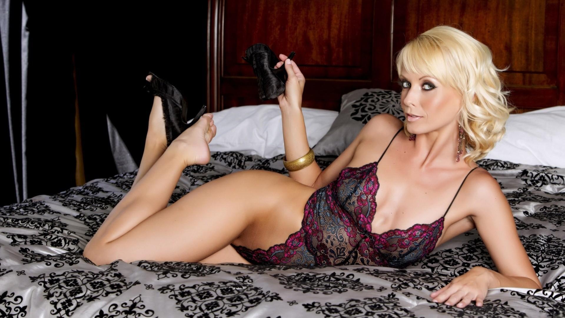 Сексуальная зрелая блондинка картинки этом