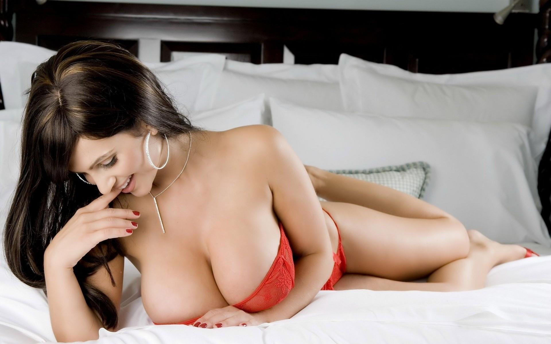 сексуальные красивые женщины с сиськами