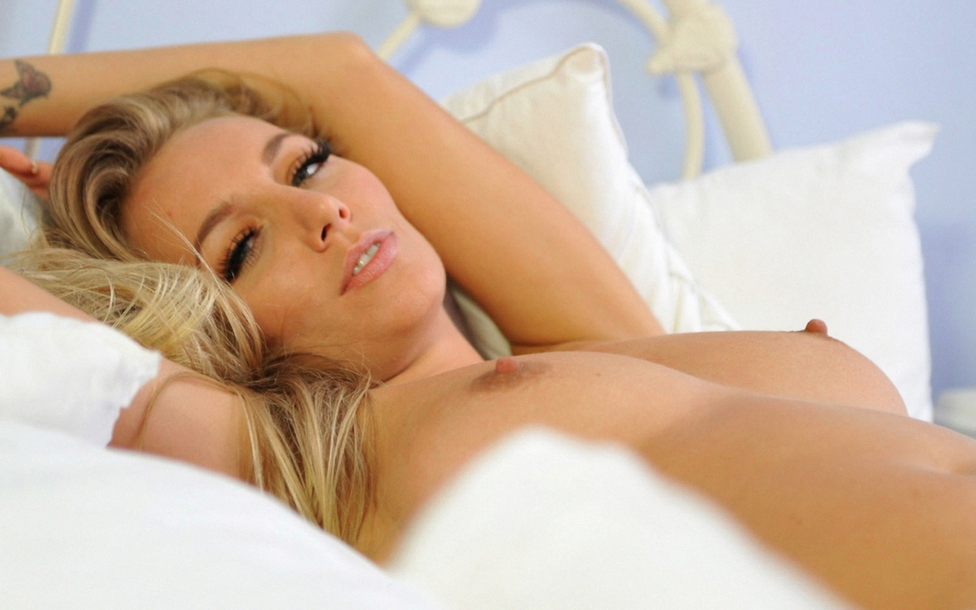 Красивые соски сиськи, порно жену отымели за долги
