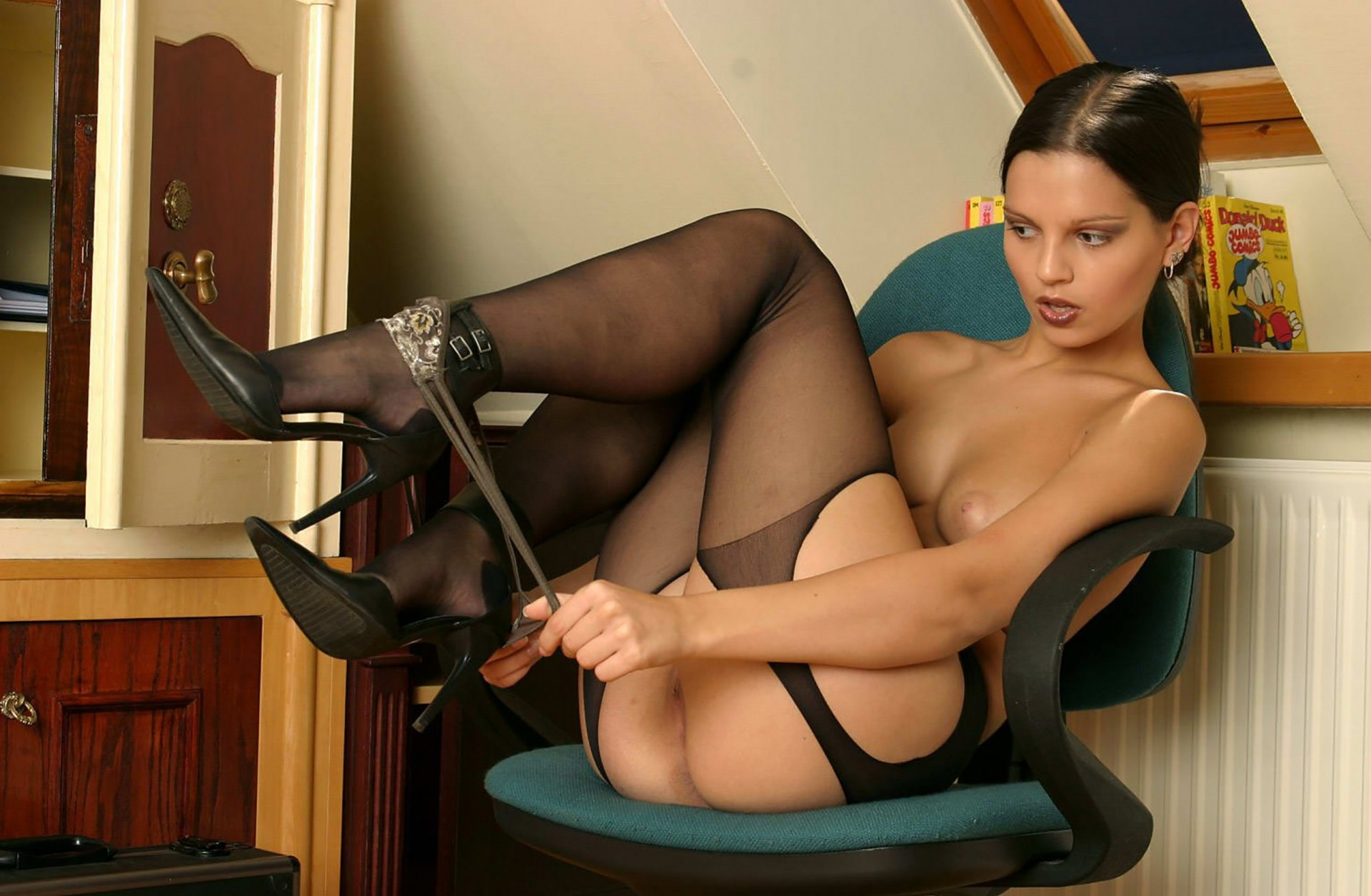 skachat-foto-erotiku-sekretarsh