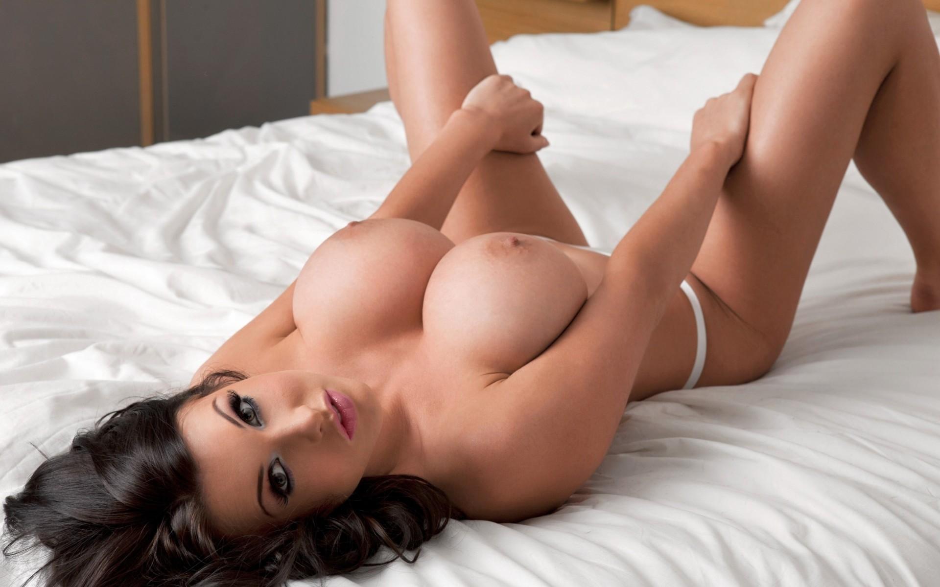 смотреть порно фото красивые груди выспался