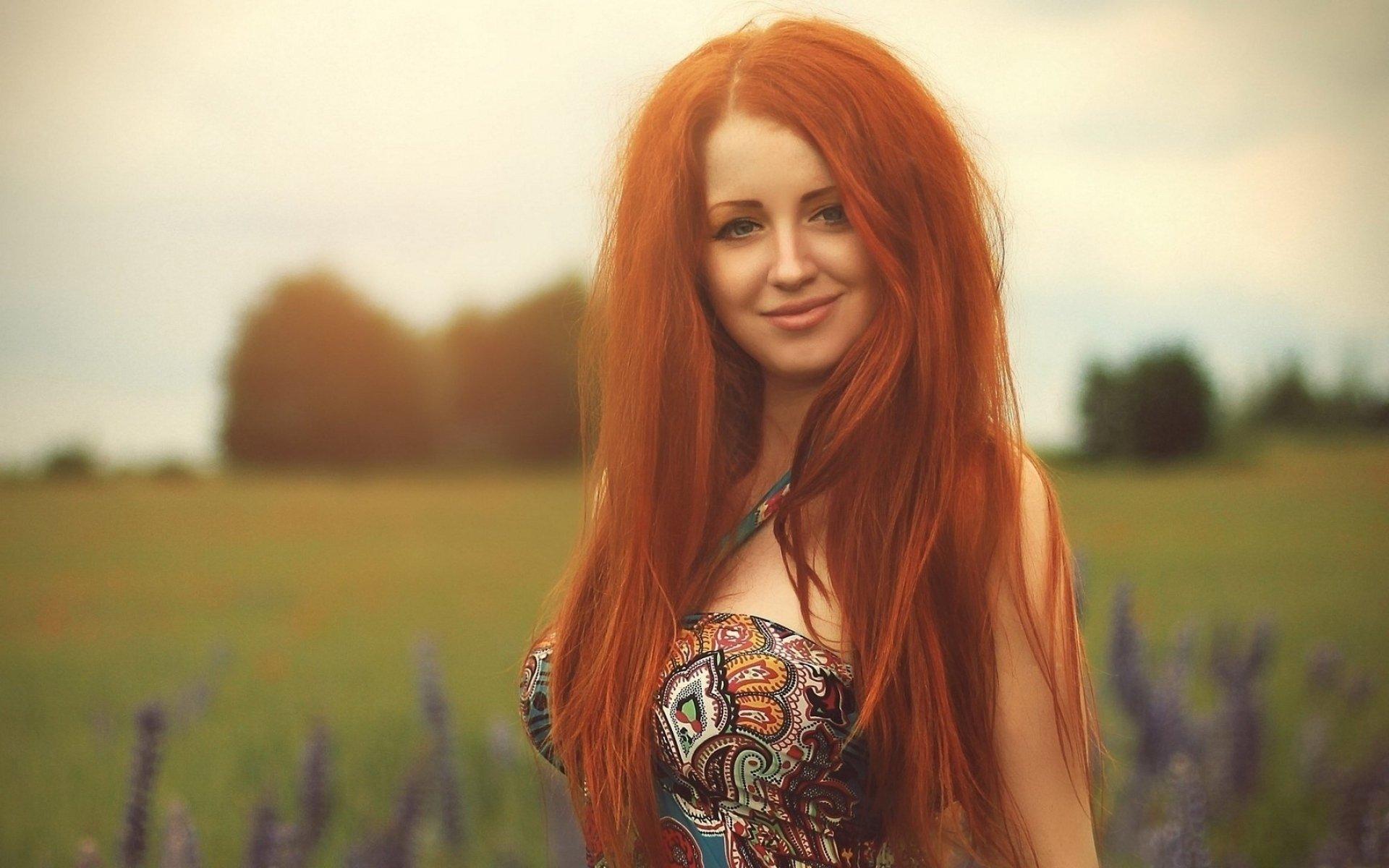 рыжая девушка без смс